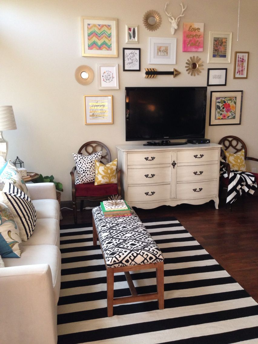 Gallery Wall Around Tv Home Decor Home Living Room Withou