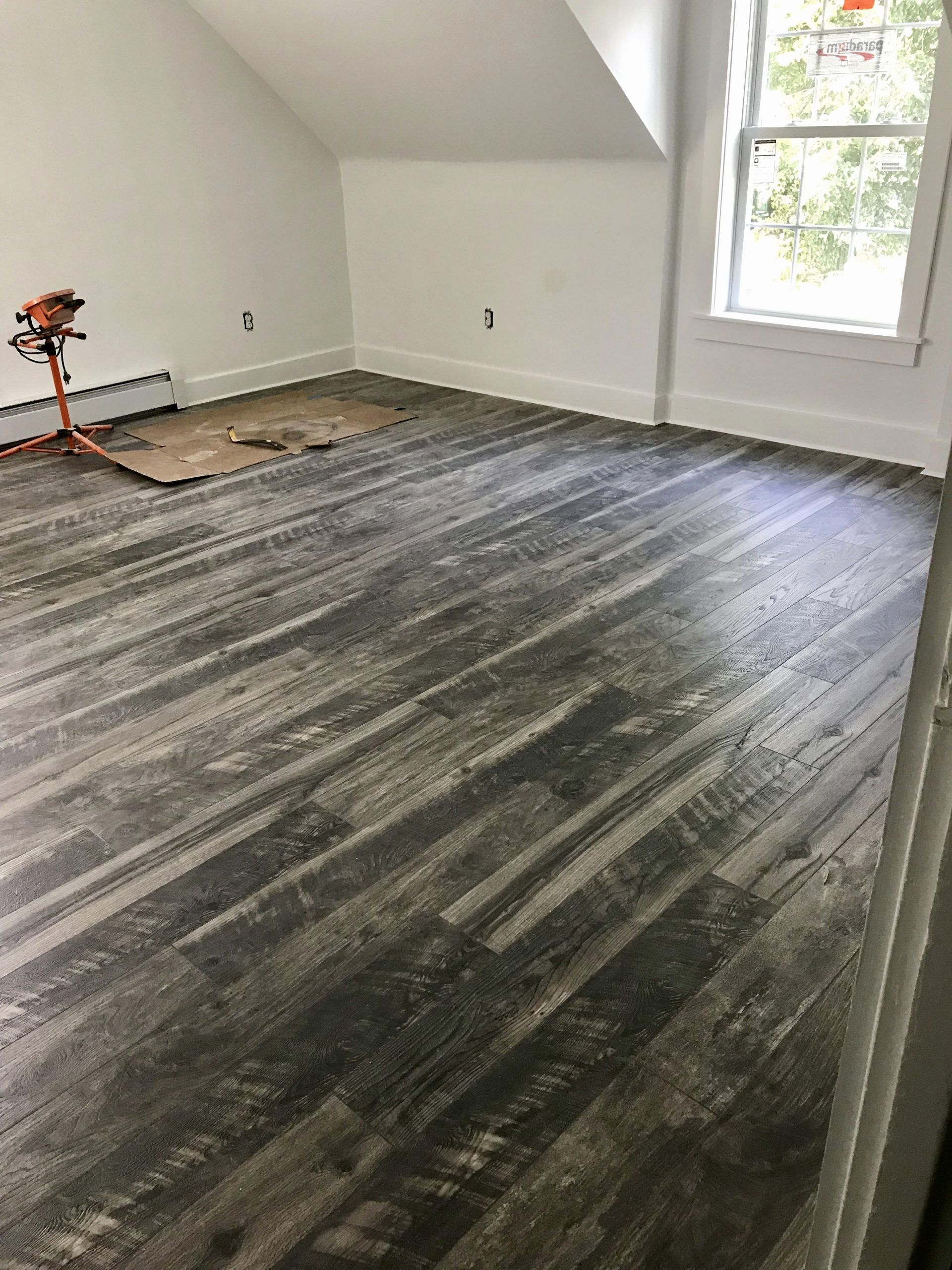 Bedroom Laminate Flooring Ideas Inspirational Home Decorators Collection Cinder Wood Fusion 12 Mm Thi In 2020 Flooring New House Construction Bedroom Laminate Flooring