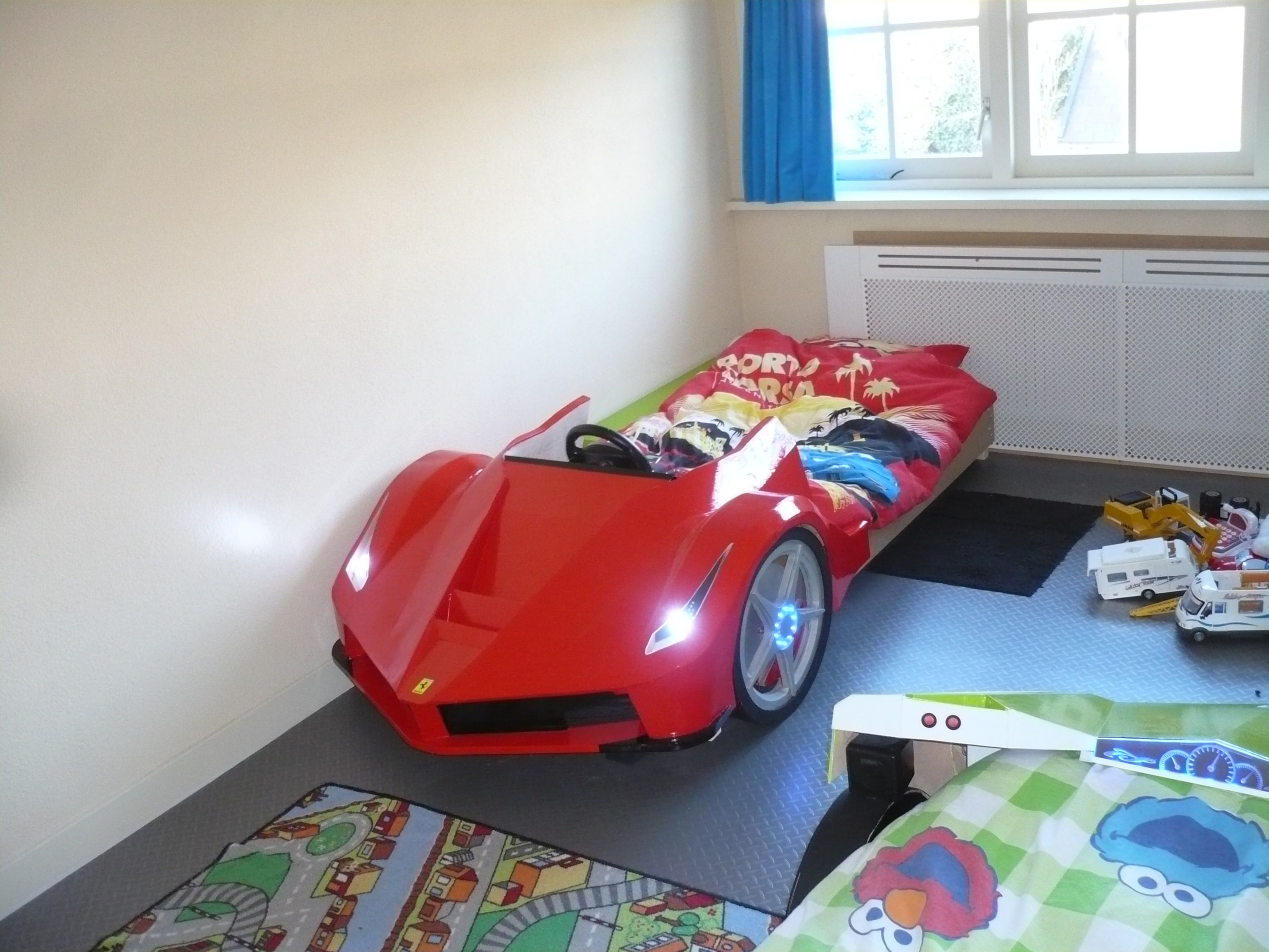 Auto kinderbed, Ferrari bed, autobed, LaFerrari.