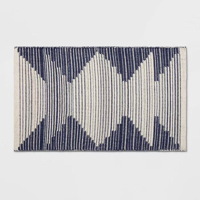 1 8 X2 10 20 X34 Damask Woven Accent Rug Navy Off White Room Essentials In 2020 Navy Rug Accent Rugs Room Essentials