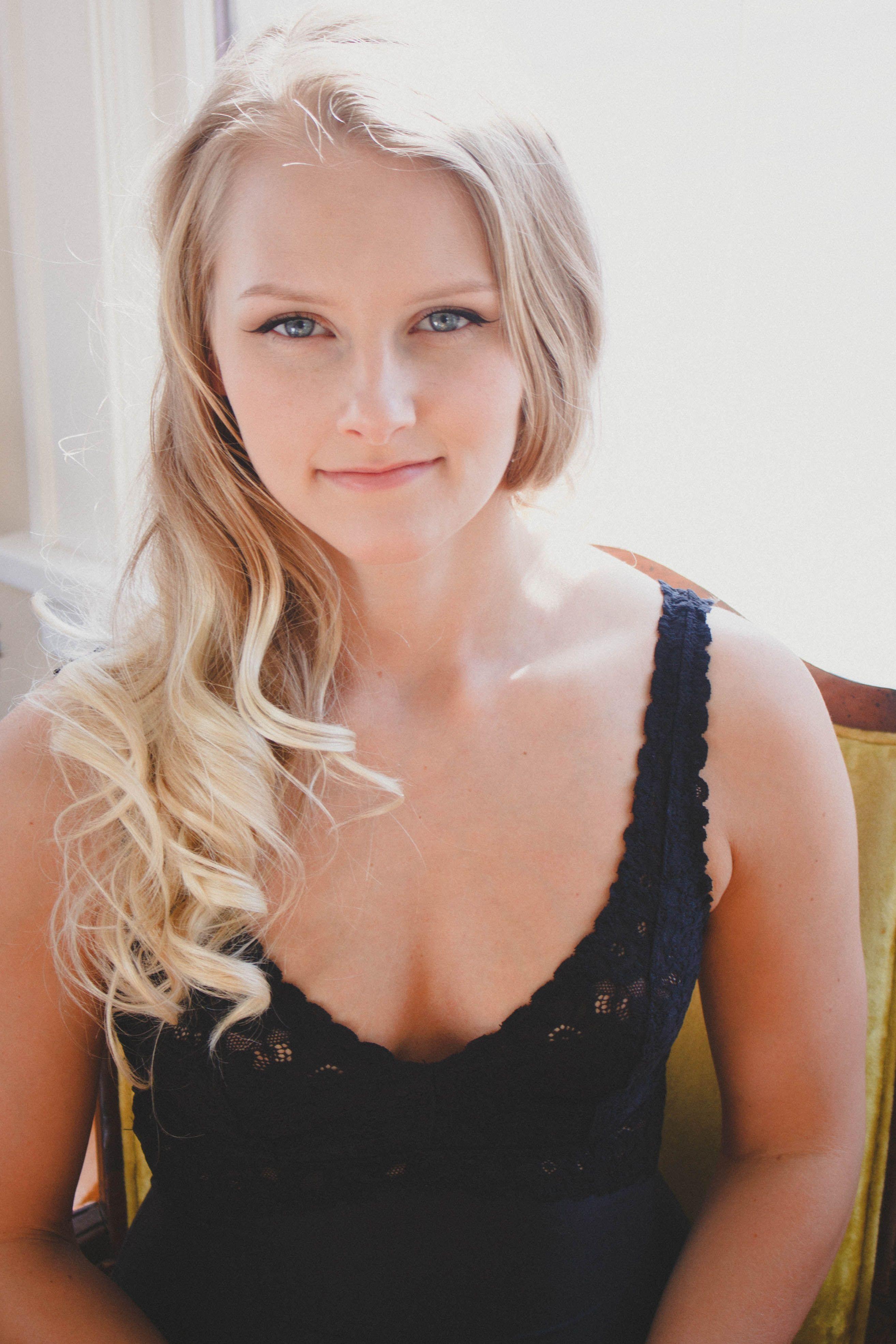 Lauren Anne Ross- Designer & Photographer #boudoir ...