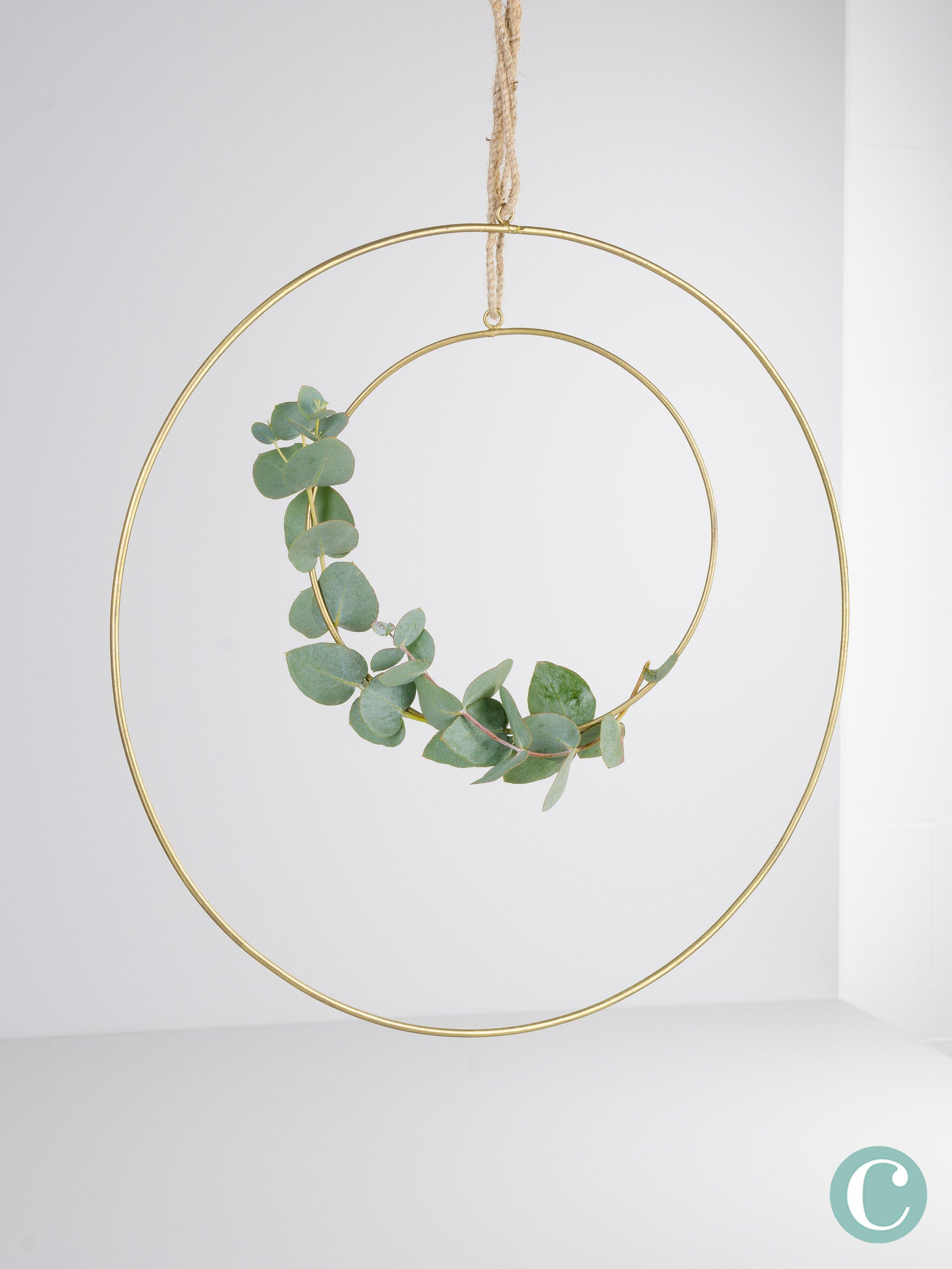 Goldener Ring Mit Eukalyptus Ein Dekoring Fur Viele Moglichkeiten