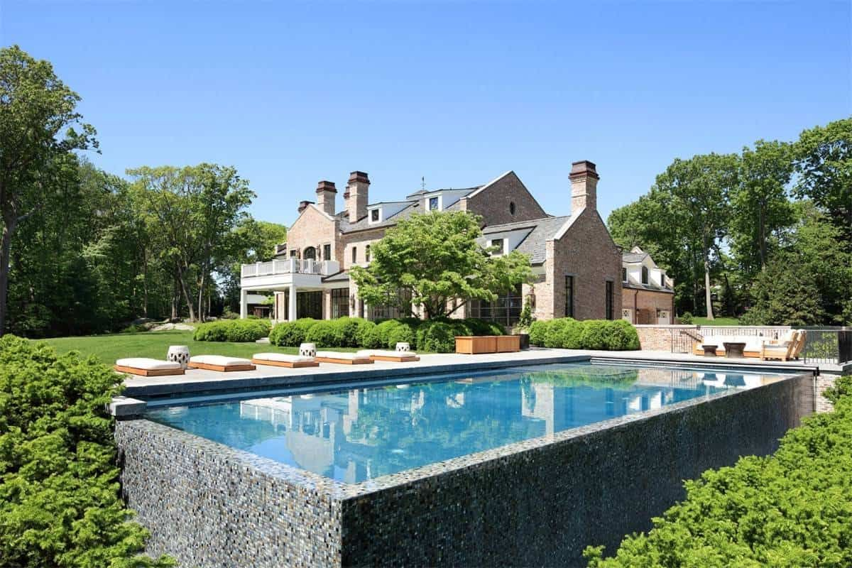 Tom Brady And Gisele Bundchen Decided To Sell Their Brookline