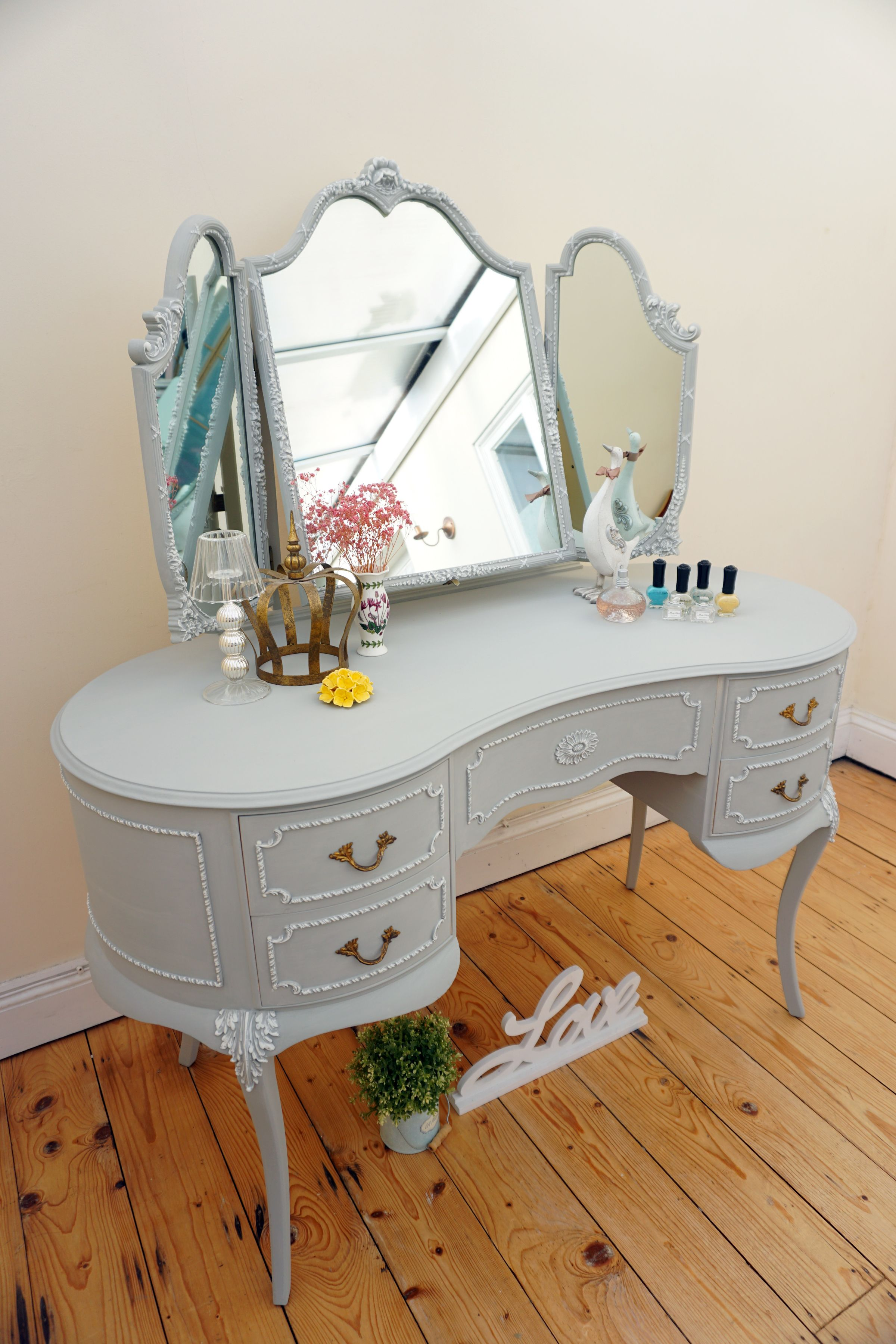 French louis style dressing table has been refurbished in