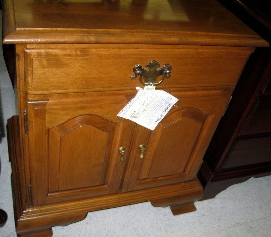 Furniture Stores Catalogs: 22 X 17 X 26 Solid Maple Nightstand. Has 1 Drawer And 2
