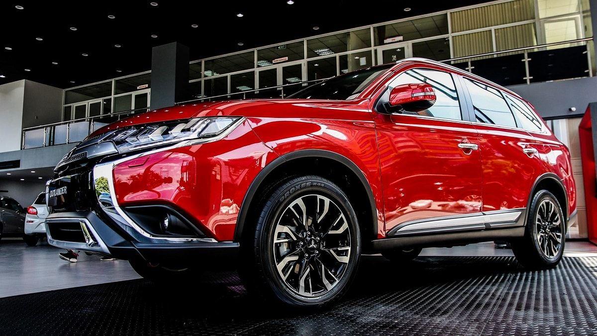 Mitsubishi Outlander 2020 Co Gia Ban Từ 825 Triệu đồng Tại Việt Nam Trong 2020 Việt Nam Mazda Honda