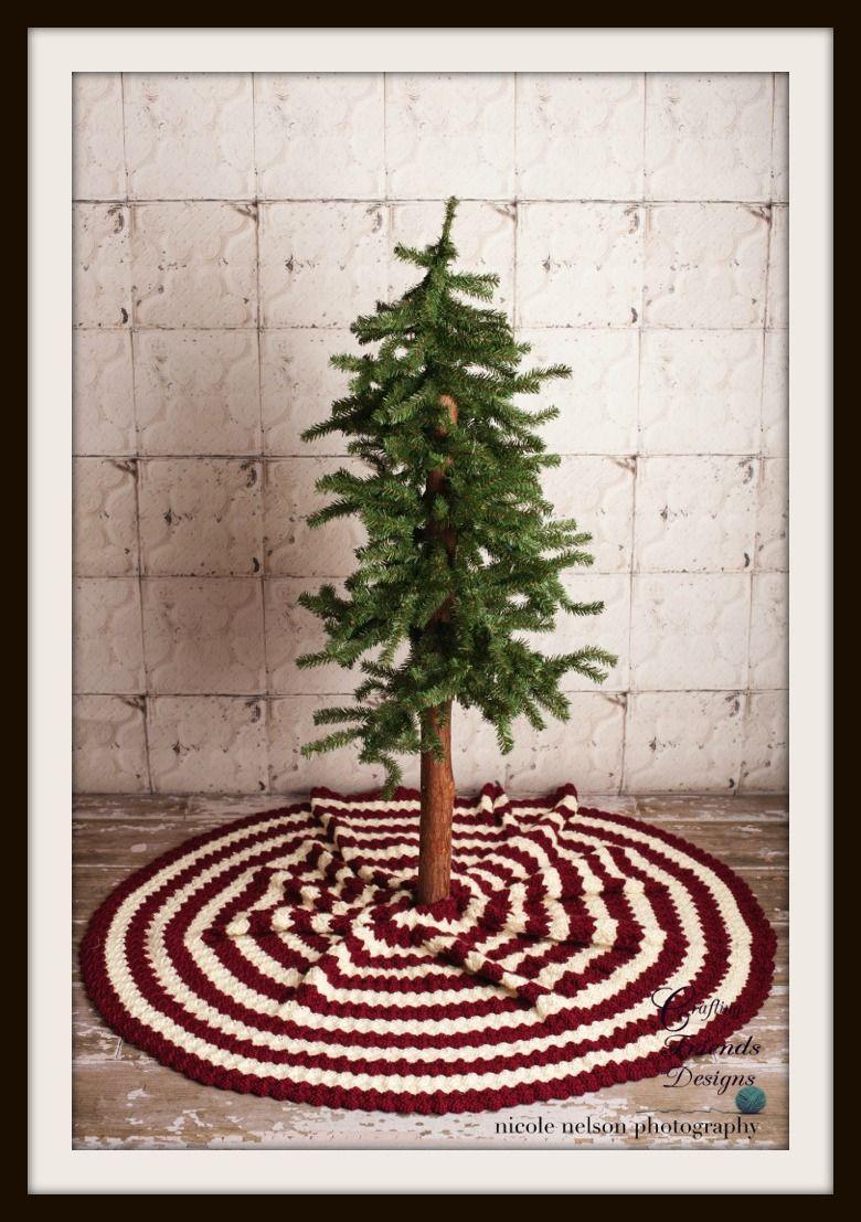 Diamond Christmas Tree Skirt #Crochet #pattern (Paid) from Crafting ...