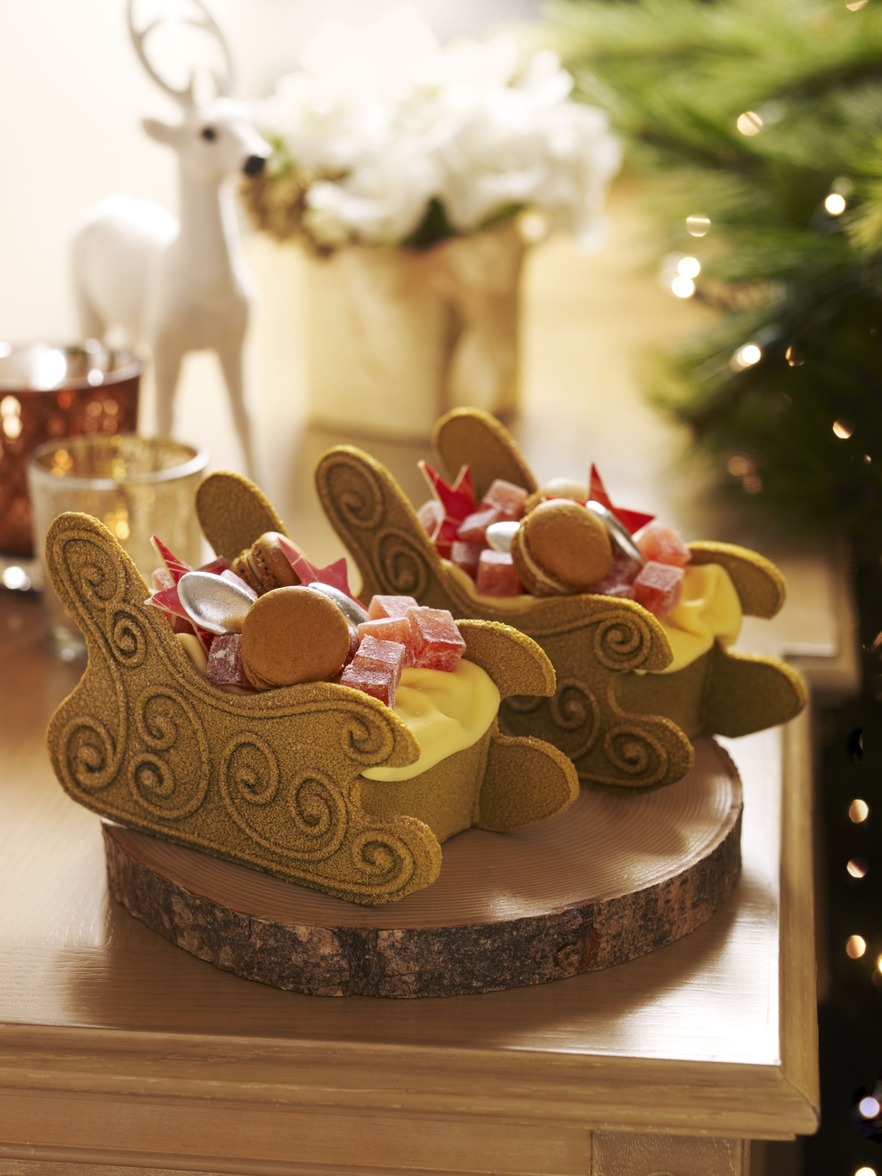 Santa s Sleigh Hazelnut Pound Cake with Macarons & Can d