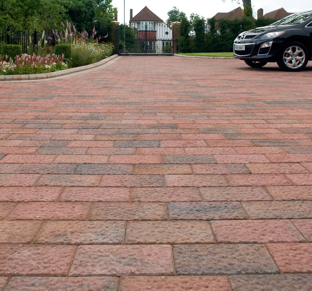 Block Paving Advantages Yonohomedesign Com In 2020 Paver Patio Block Paving Patio Block Paving