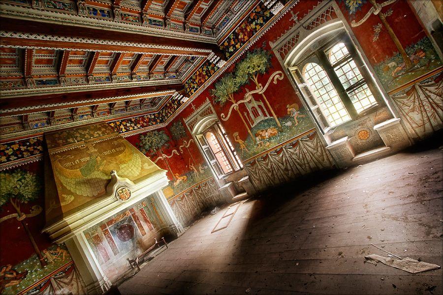 castello di abbandonato - the big hall