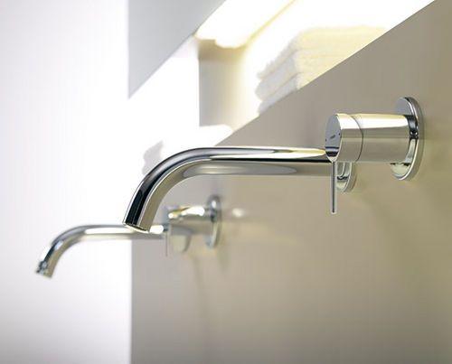 Mitigeur pour vasque mural en métal chromé en laiton