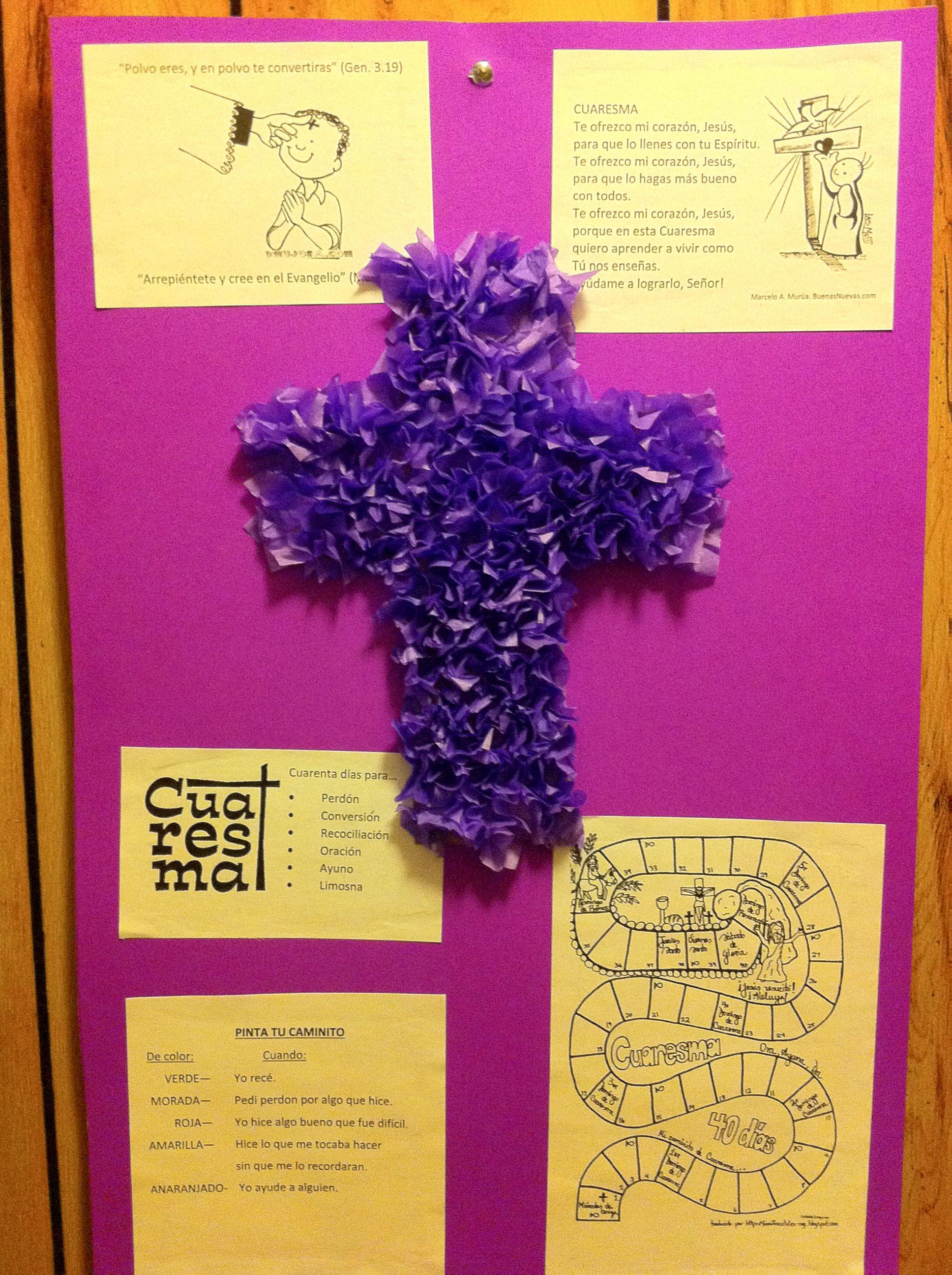 Cruz morada hecha de papel de seda Miércoles de Ceniza