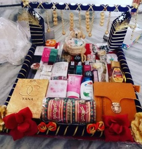 Gifts For Her Unique Gifts Ideas For Her Happyshappy Com Wedding Gift Pack Wedding Gifts Packaging Indian Wedding Gifts