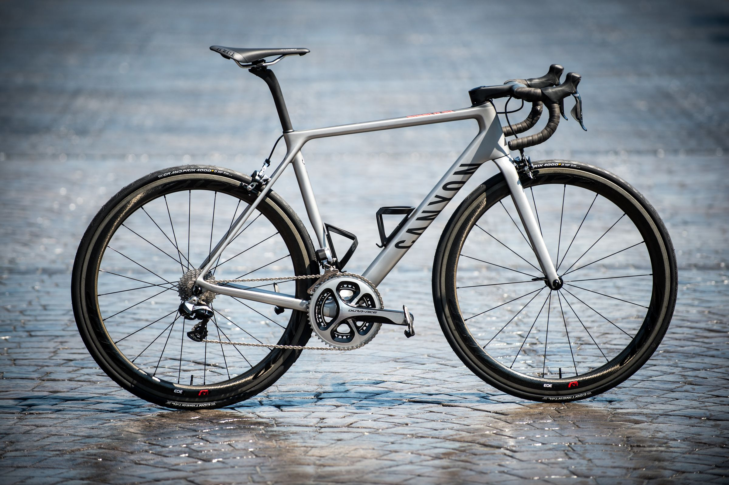 Canyon Ultimate CF SLX 2016 road bike - first ride review roadcyclinguk.com