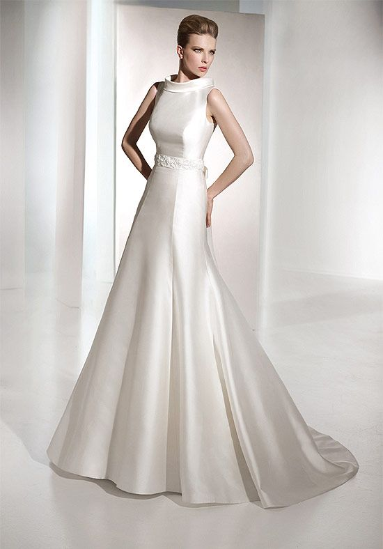 Wedding gowns with high collar discount 2012 high collar for High collared wedding dress