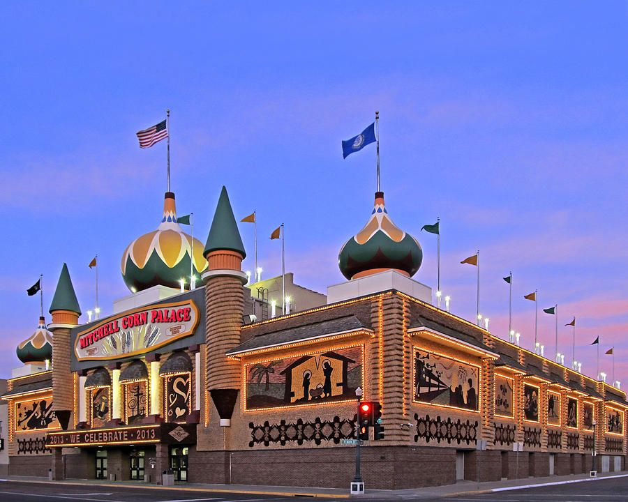 The Corn Palace Mitchell South Dakota Not To Be Missed If You Are On Your Way To Mount Ru Travel Around The World Wonders Of The World Church History Sites