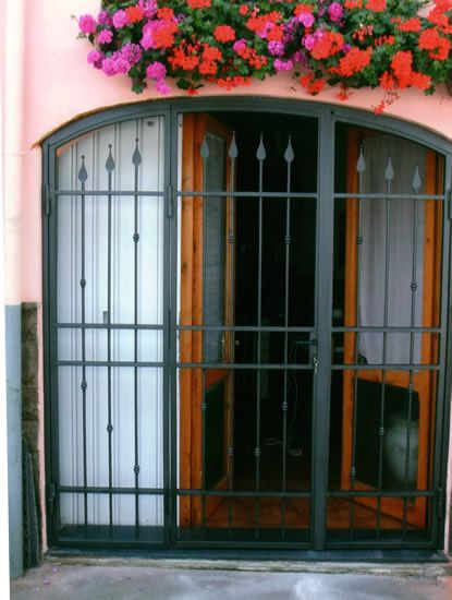 Risultati immagini per inferriate per finestre in ferro battuto porta finestre pinterest - Inferriate ferro battuto per finestre ...