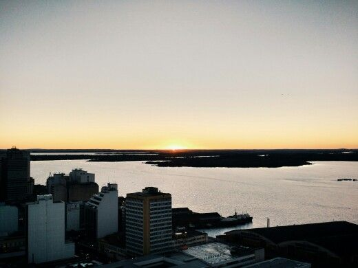 Pôr do sol no Lago Guaíba