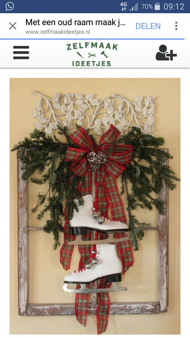 Window frame decor with wreath  pin by jennie roozeboom on kerst  pinterest  wreaths christmas
