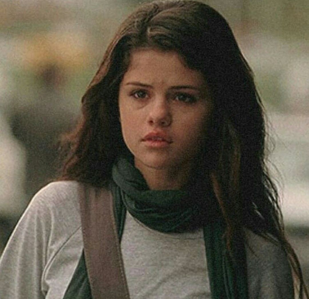 Pin by Betül on SG Movies | Selena gomez, Selena, Quiet girl