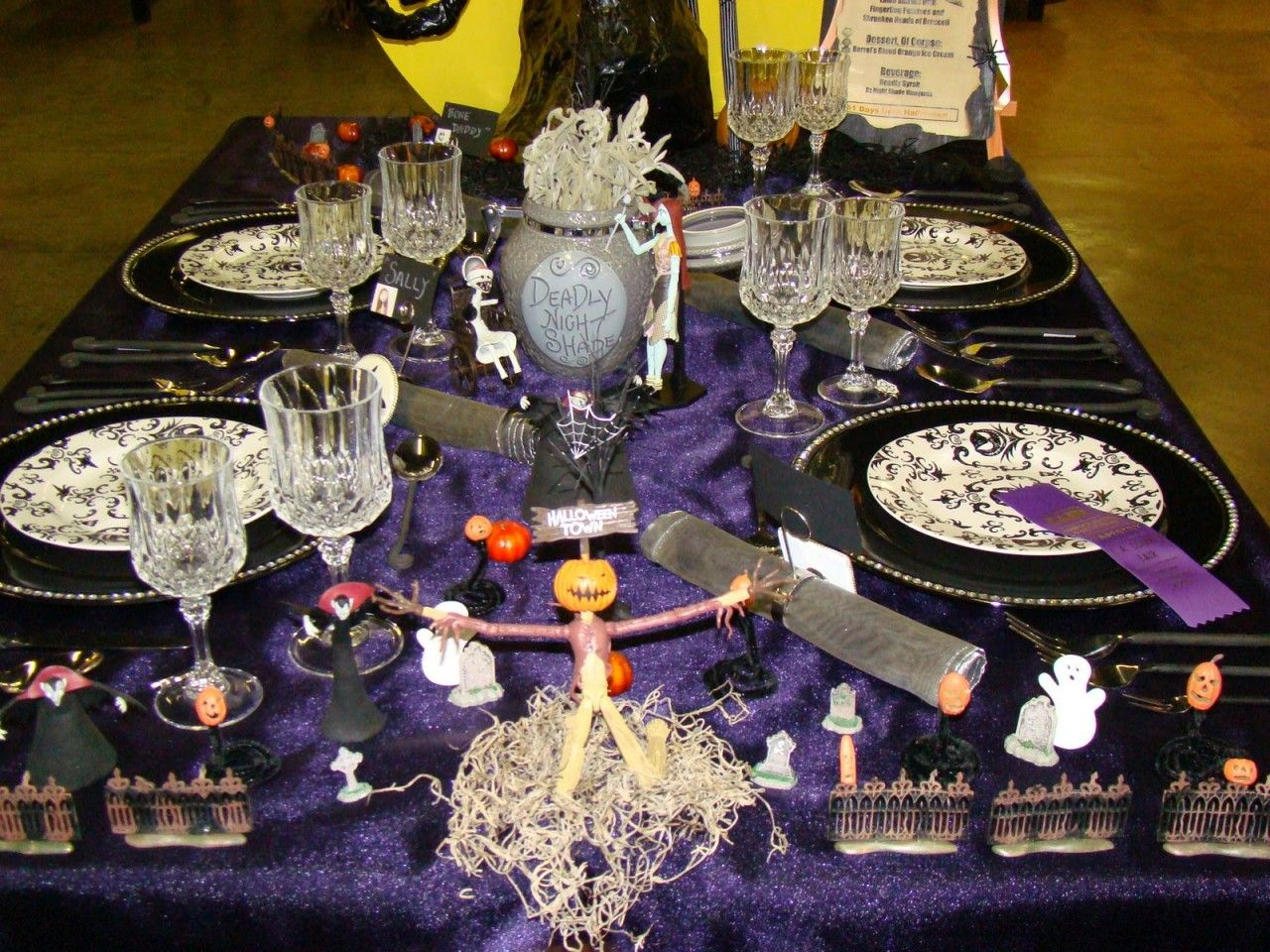 Nightmare Before Christmas Themed Dining Table. Notice the Jack Skel ...