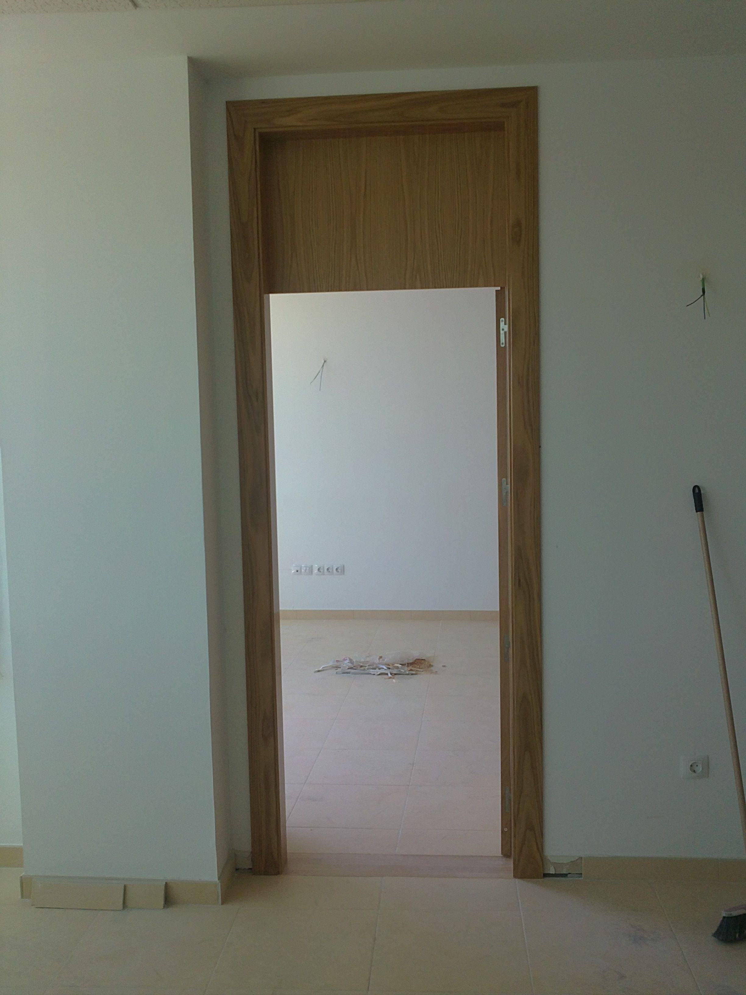 L50 roble con altillo puertas madera natural pinterest for Puertas madera natural