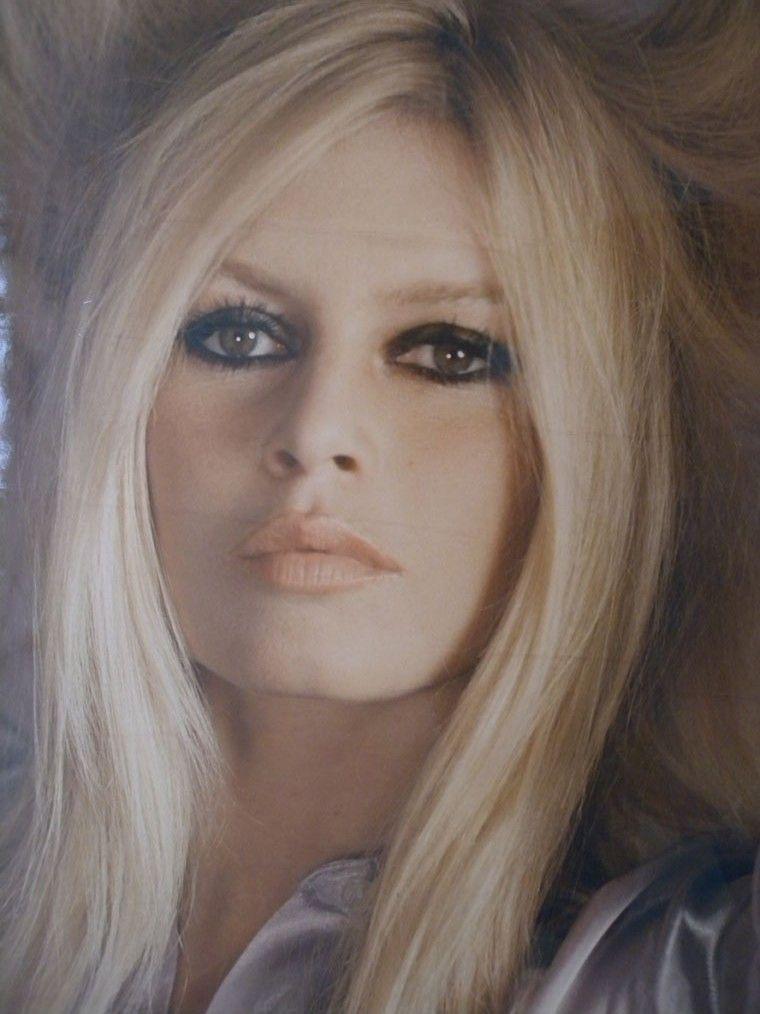 Brigitte Bardot, beauté féminine en 2019 Brigitte bardot