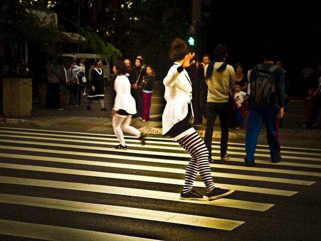 by Editorama, via Flickr  #urbanintervention  #saopauloatravesdoespelho  #coletivoteatrododecafonico