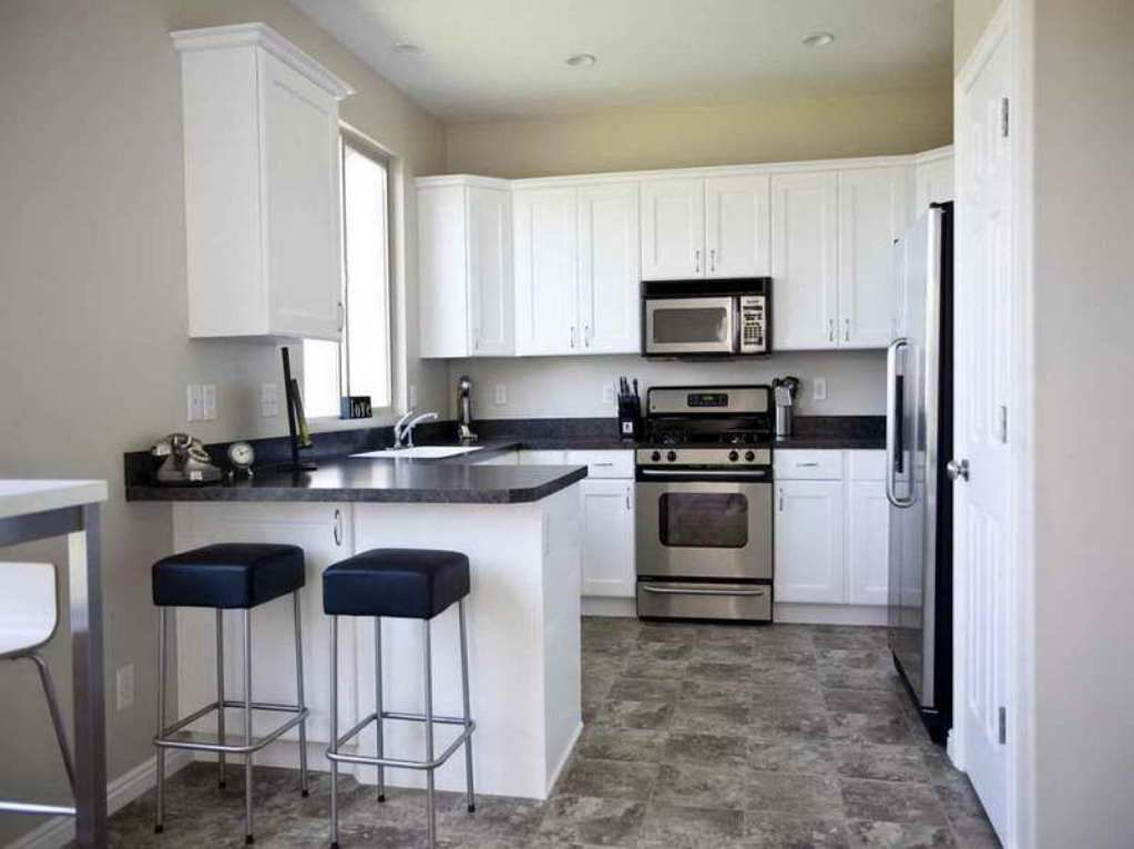 Kitchen small kitchen decorating ideas pictures kitchen for Black kitchen design