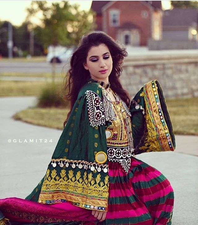 I love traditional afghan clothes ♥️♥️♥️♥️ @glamit24 #afg_fashion #afghanfashion #afghanclothes #afghanstyle #afghanistan