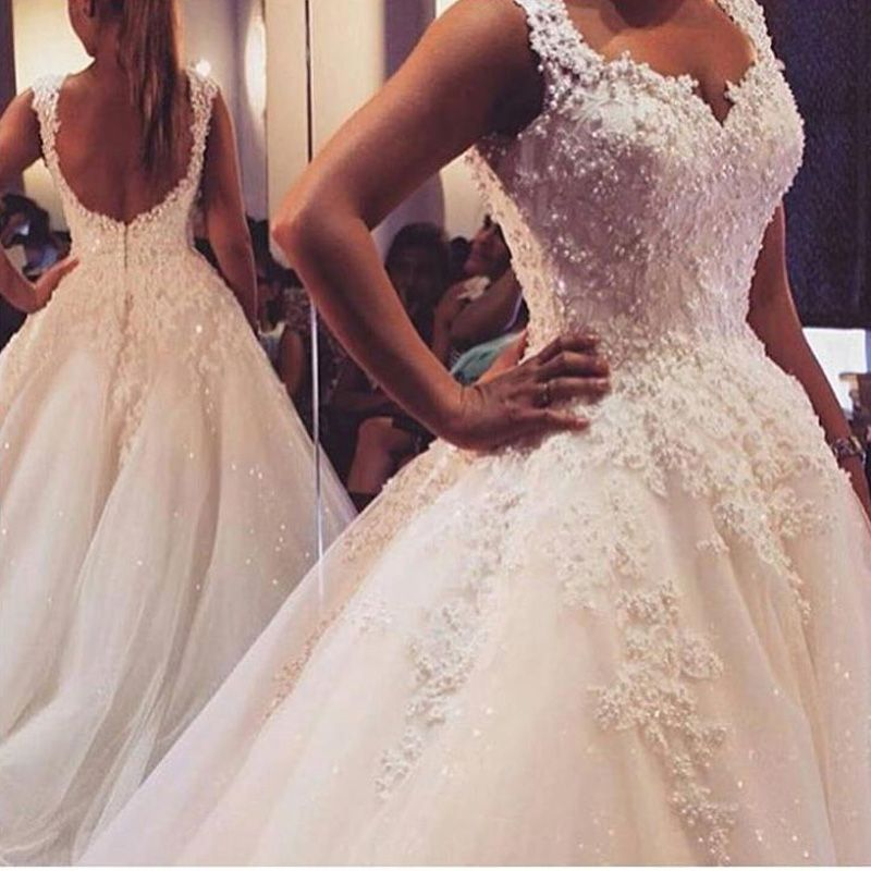 New Pearls Lace Wedding Dresses Spring 2016 Backless Beaded Ball Gowns Bridal Gown With Flowers Lace Applique Luxury Bridal Gown