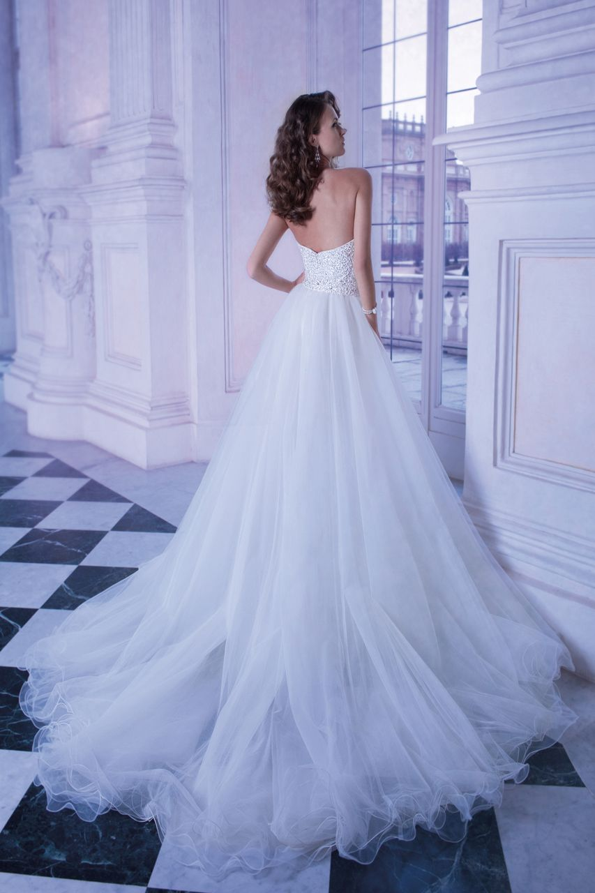 Wedding gown gallery in crystal brooch bouquets