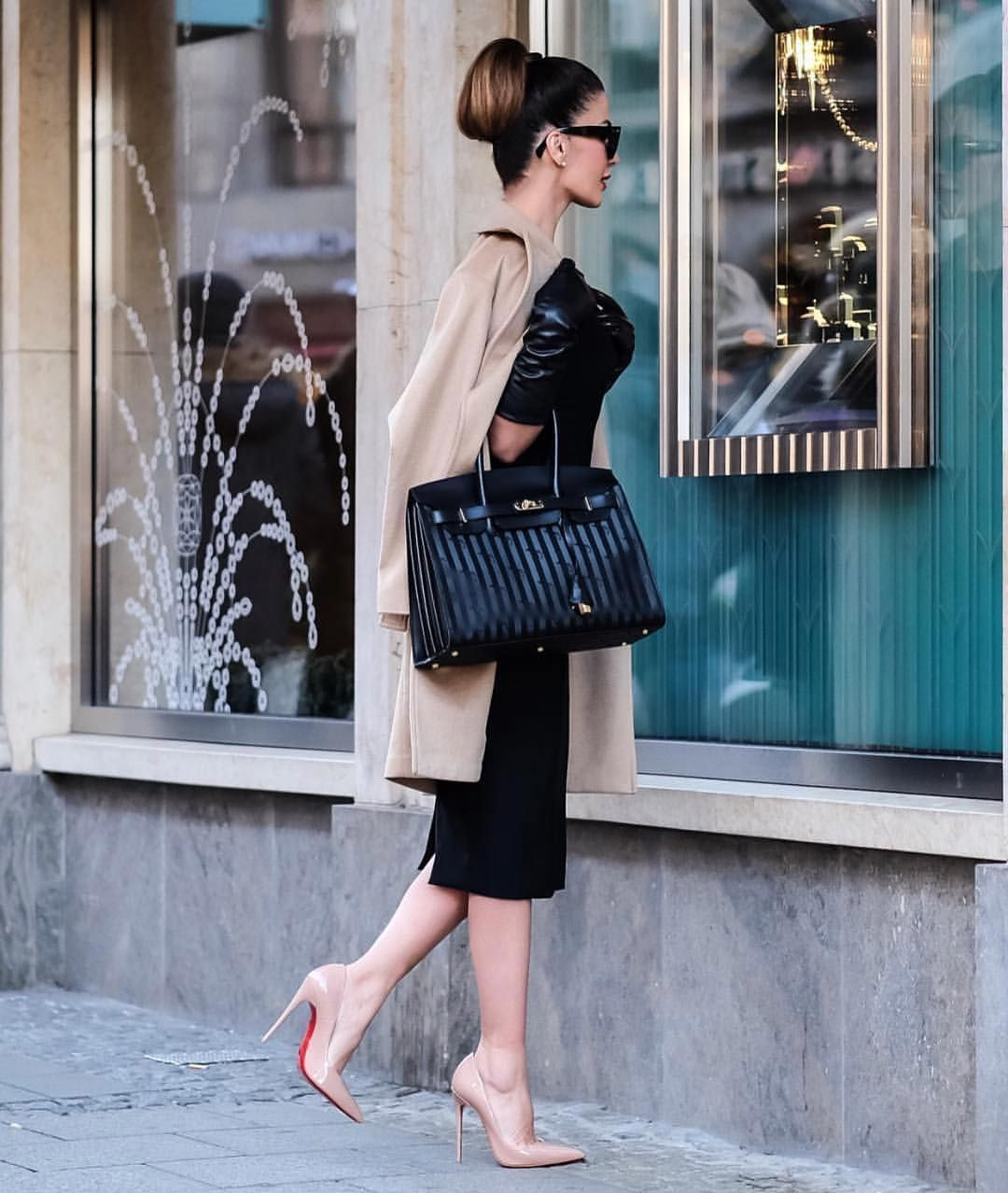 White apron brea ca - Team Louboutin On Instagram Breakfast At Tiffany In Louboutins Start The Year Right