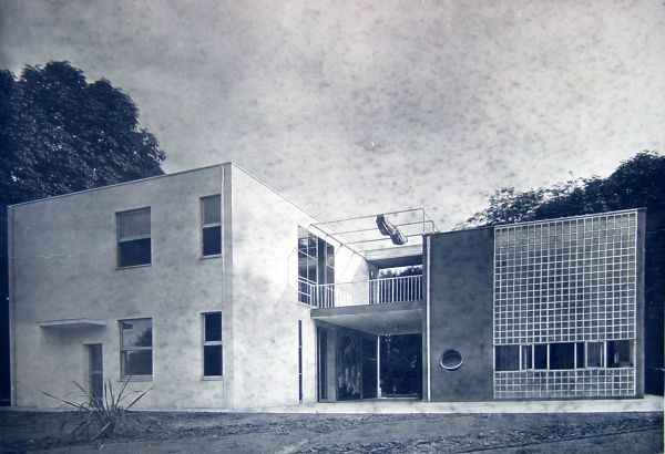 Giuseppe terragni casa sul lago per l 39 artista alla for Pluripremiati piani di casa sul lago