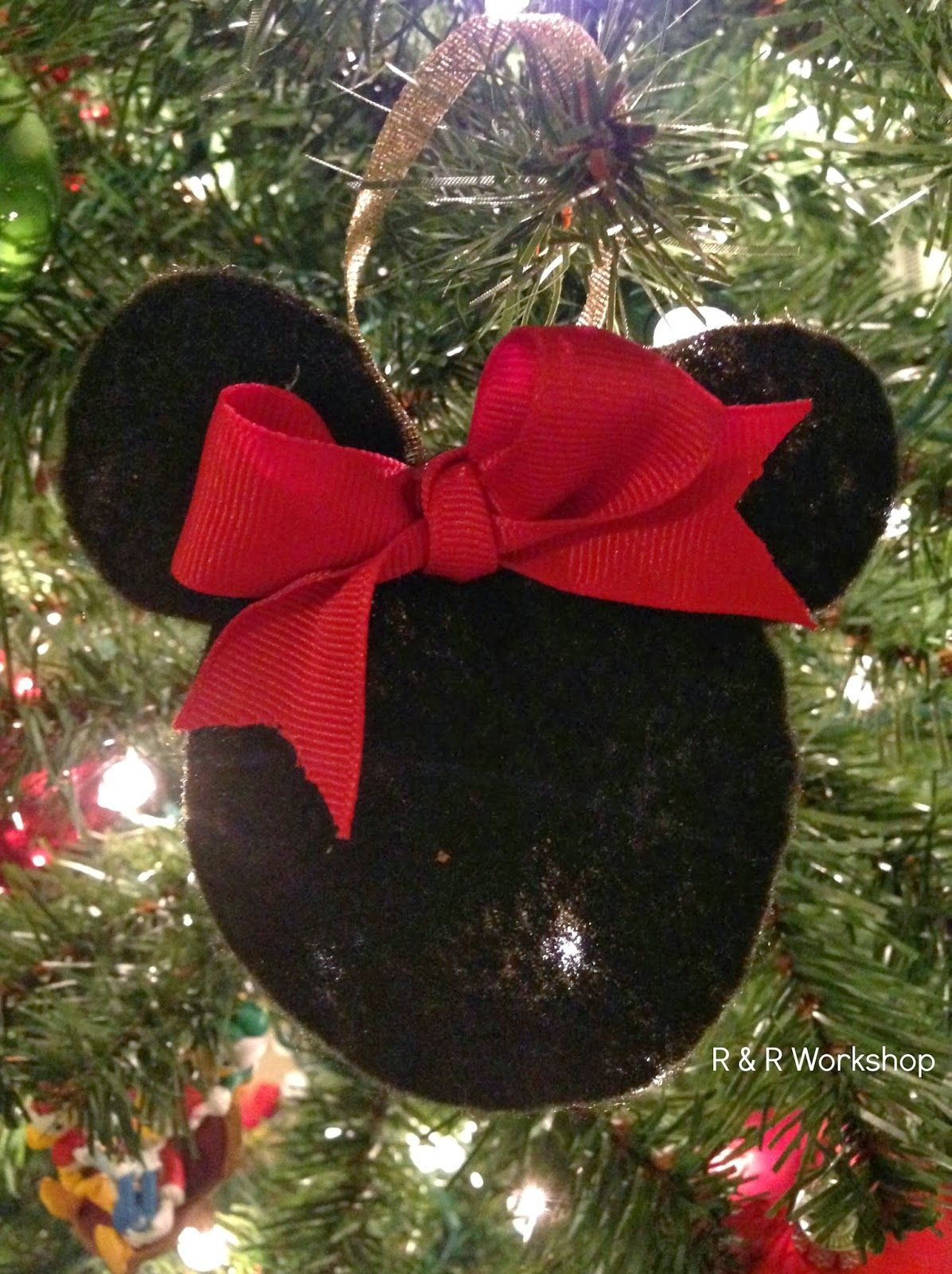 DIY Mickey and Minnie Mouse Ornaments | Minnie mouse, Mice and Ornament