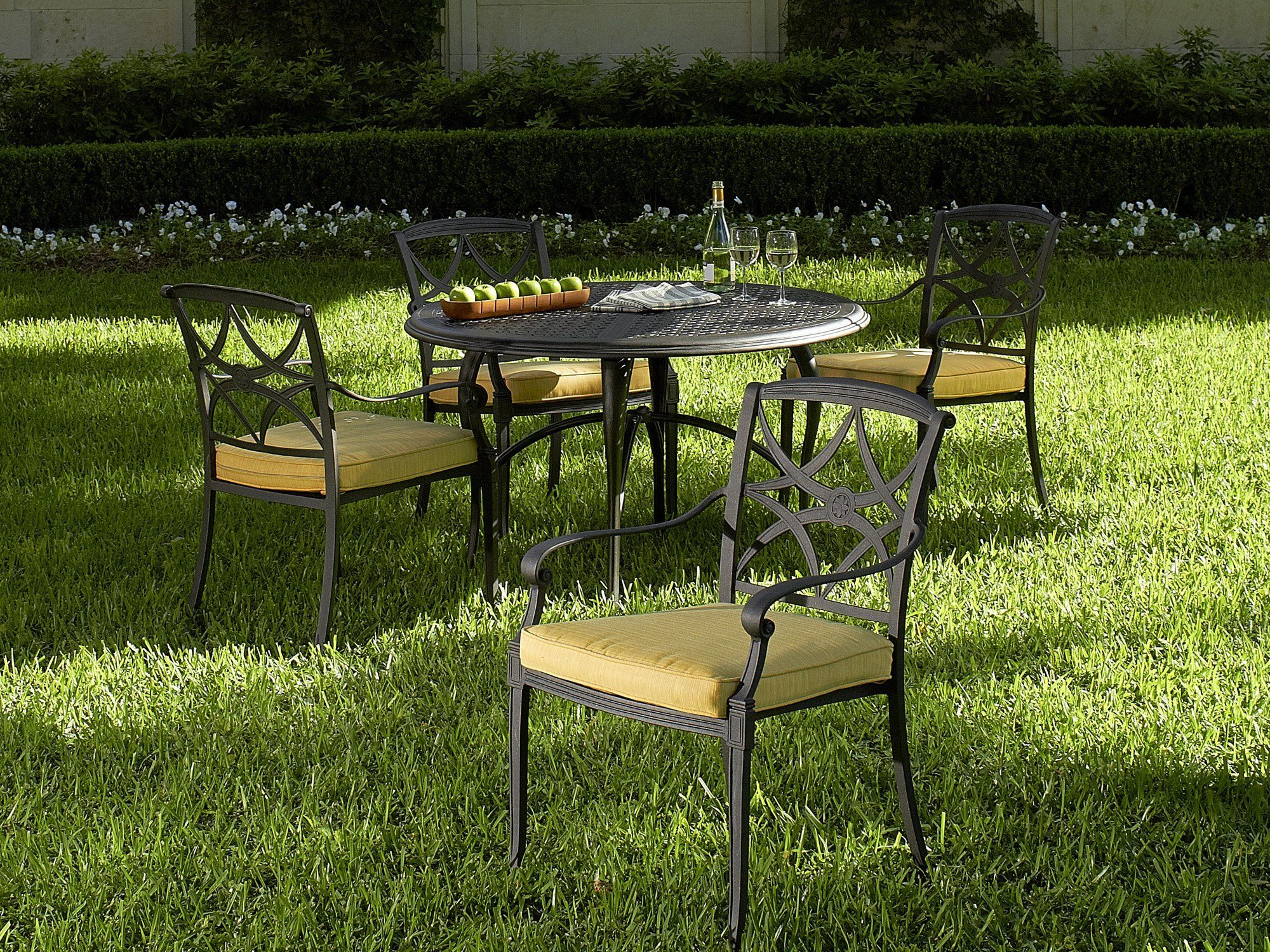 Wiltshire Cast Aluminum Outdoor Dining Set