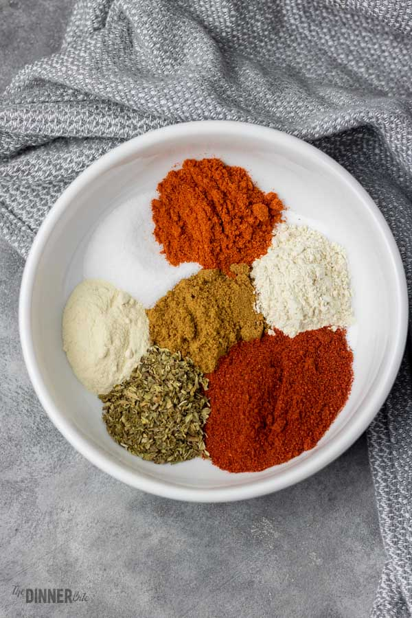 Homemade Taco Seasoning Recipe - The Dinner Bite #tacoseasoningpacket