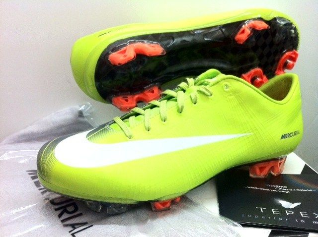 fa364eb5da32 NIKE MERCURIAL VAPOR SUPERFLY II FG ELITE FOOTBALL SOCCER BOOTS CLEATS |  eBay