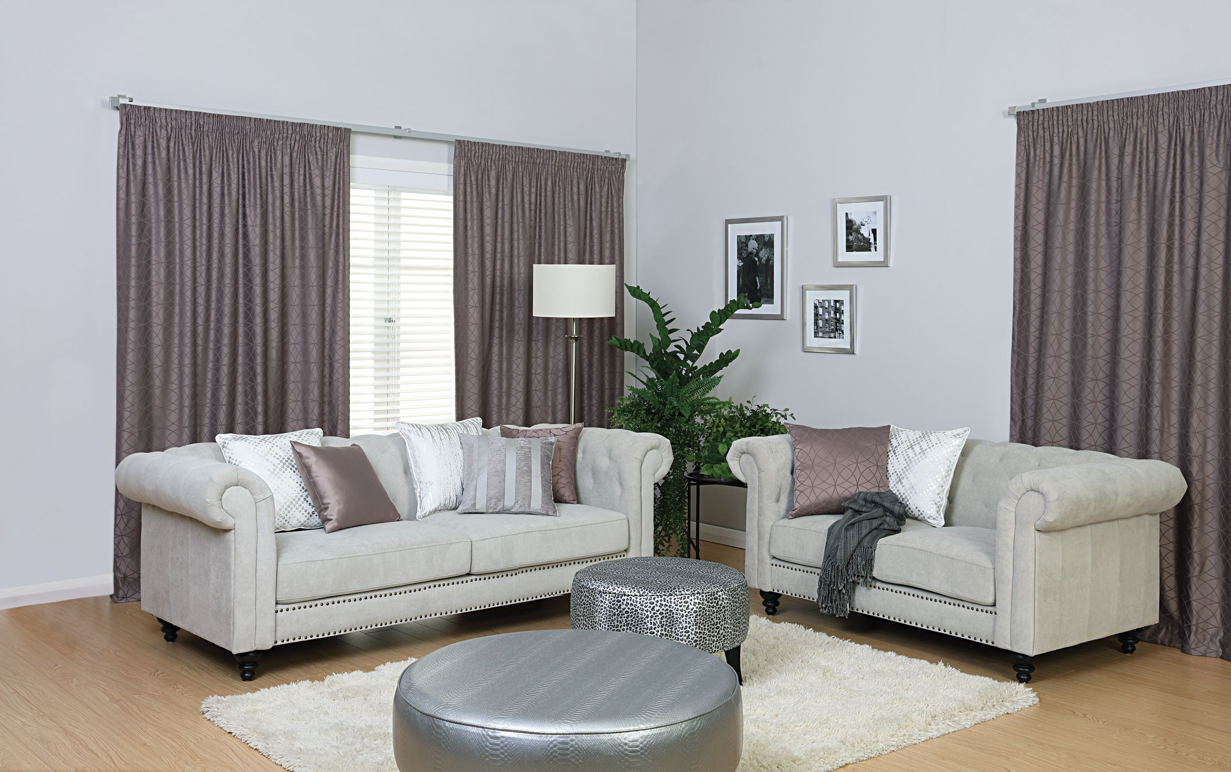 Amari with loose cover sofa Designers Collection