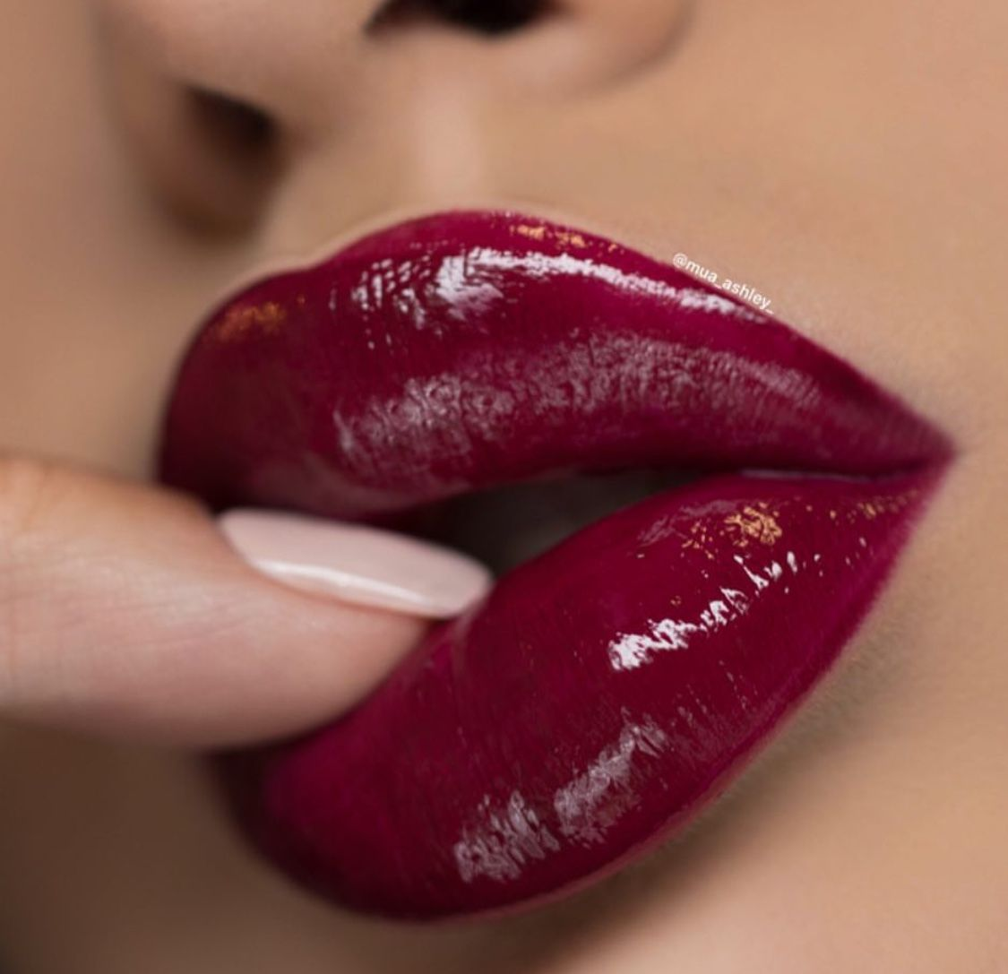 Pin By Brahm Arya On Batom Lip Colors Beautiful Lips Red Lipstick Looks