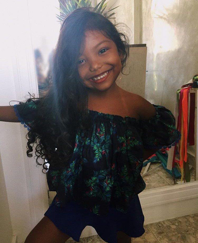 Menina Filha Morena Bonita Linda Cabelo Cacheado Tumblr