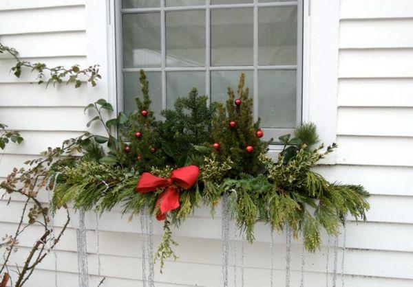 das fenster vohn au en schm cken weihnachten pinterest aussen fenster und weihnachten. Black Bedroom Furniture Sets. Home Design Ideas