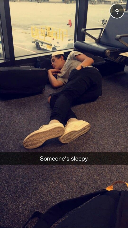 Awwwww But Look How Big His Feet Are Hayes Grier In