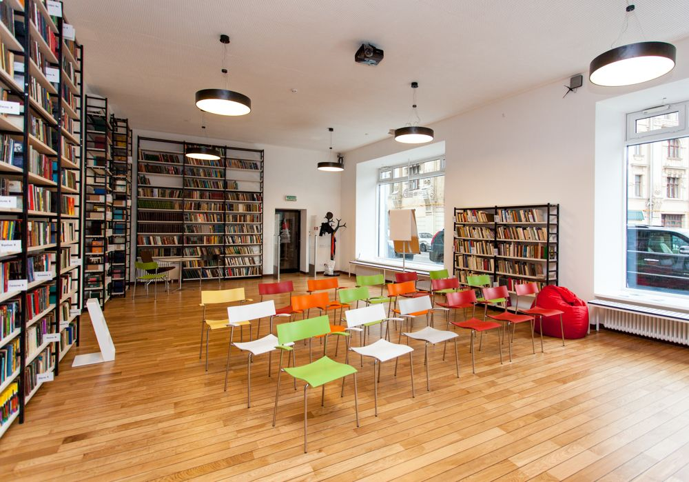 Media Library with SENAB Russia Swedese Heaven Step ladder Lammhults Campus Chairs