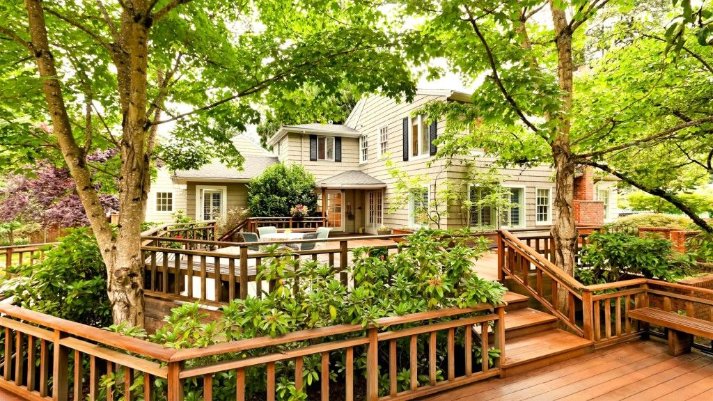 6 deck renovations that really pay off and 1 that doesnt
