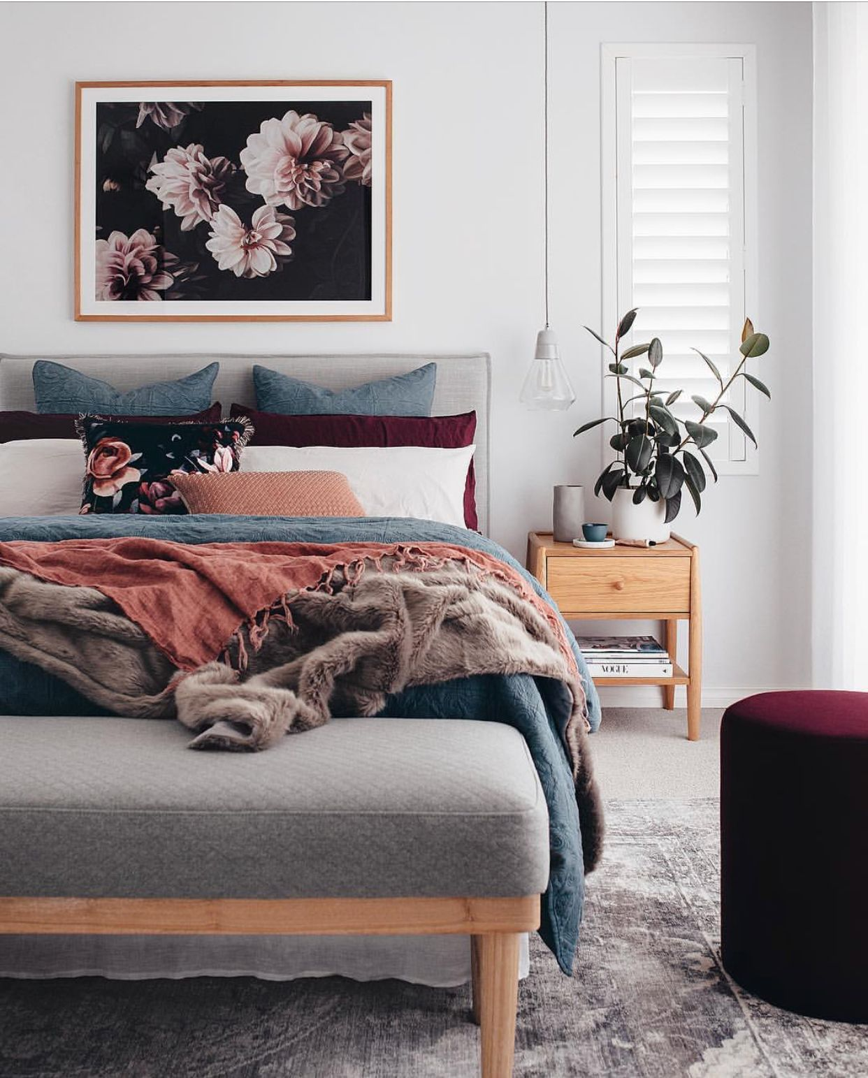 21 Cosy Winter Bedroom Ideas: Really Like The Darker Colours Mixed With The Dusky Pink