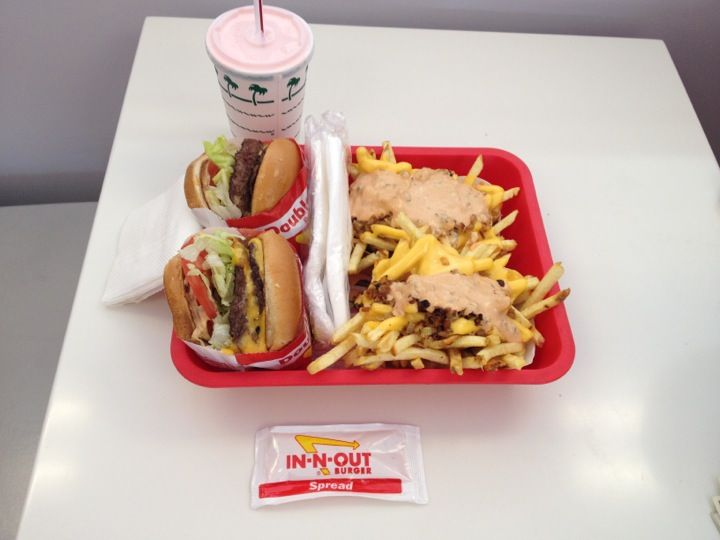 In-N-Out Burger   I would live here, right next to my burger. This should be a museum for real. I <3 you In and Out!!