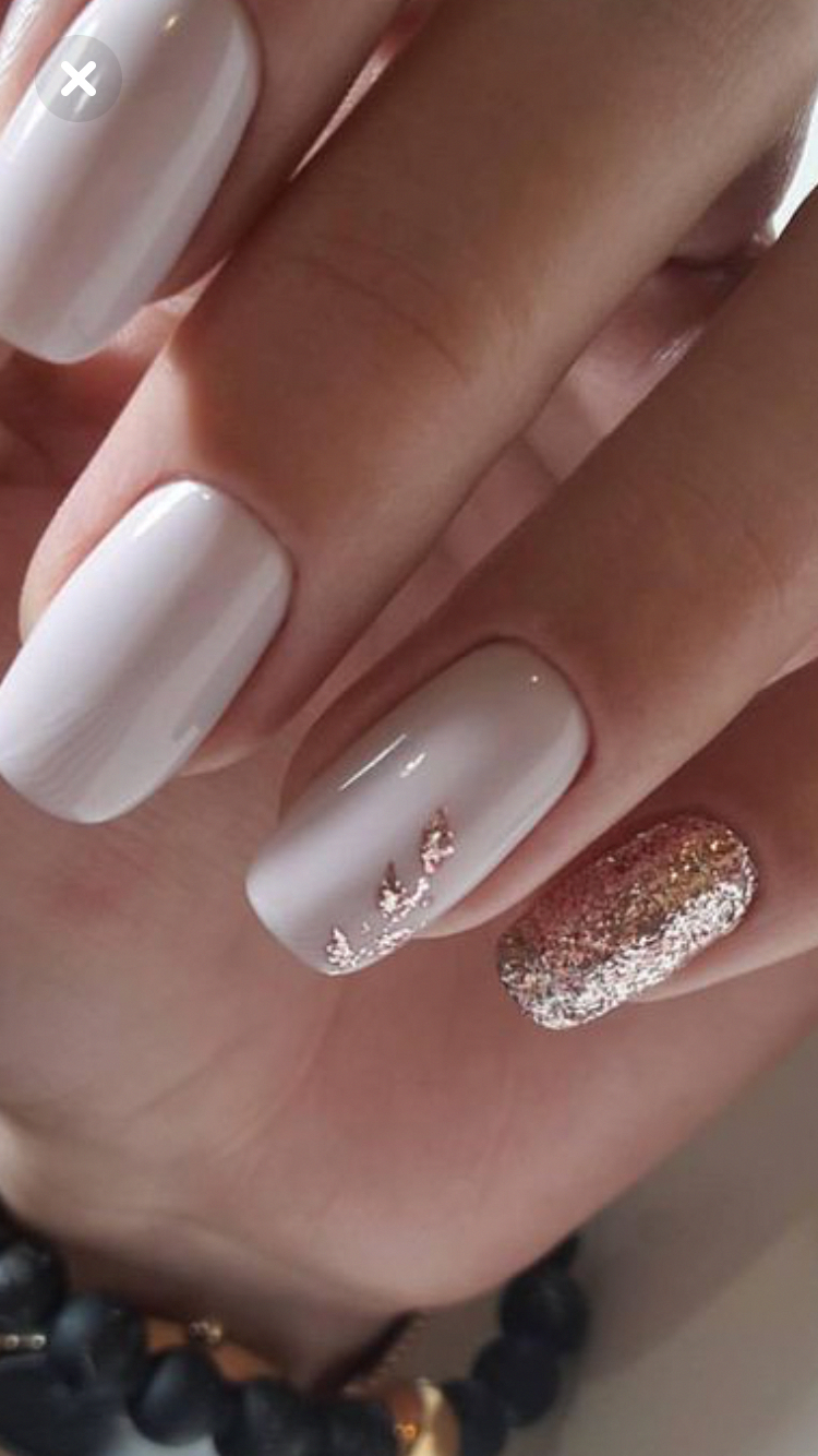 Pin By Maria Bowden On Wedding Colours In 2020 Gold Nail Designs Rose Gold Nails Design Nail Art Wedding