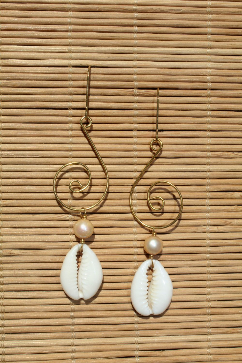 Champagne Pearl & Cowrie Shell Earrings Augustmooncreationsy