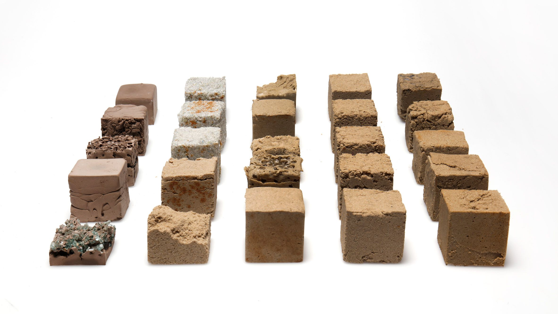 New Material Made From Desert Sand Could Offer Low Carbon
